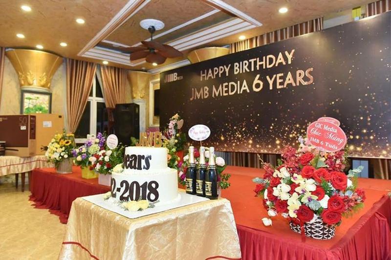 Cùng Hai Thụy Catering tận hưởng trọn vẹn giây phút thăng hoa trong tiệc sinh nhật công ty