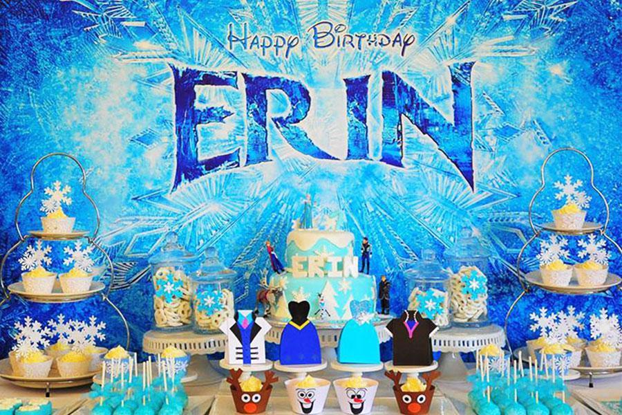 """Mang """"nữ hoàng băng giá Elsa"""" về cho bé yêu khi tổ chức tiệc đầy tháng"""
